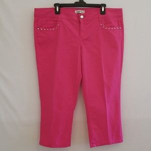 44b2ba8ad02 L.e.i Women s Plus Size Rhinestone Capris Pants